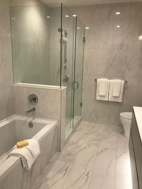 Solo District 3 - bathroom